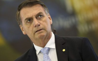 Após críticas, Bolsonaro revoga suspensão do contrato de trabalho por até 4 meses