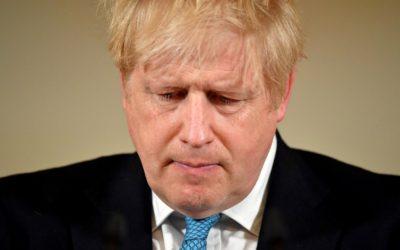 Reino Unido fecha comércio e restringe movimentação em todo o território